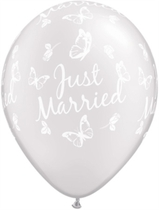 """Pearl White Just Married Butterflies 11"""" Latex Balloons 25pk"""